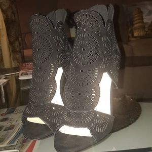 Misguided black heels laser cut brand perfect con